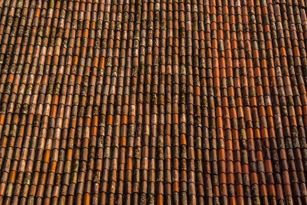 Muchos edificios históricos españoles andan a vueltas con su tejado